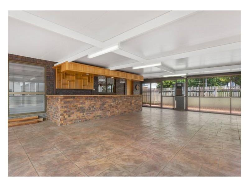 17 Hollingsworth Street, Kawana QLD 4701